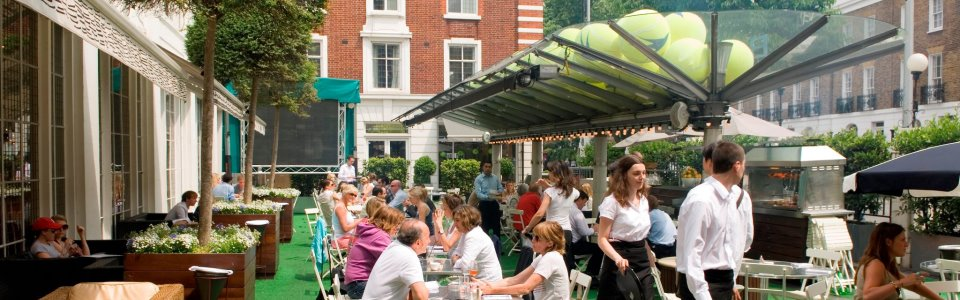 Cafe & Courtyard at Bluebird Chelsea, image courtesy of Bluebird Chelsea