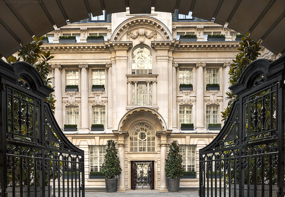 Rosewood London Courtyard by Durston Saylor CC BY-SA 3.0