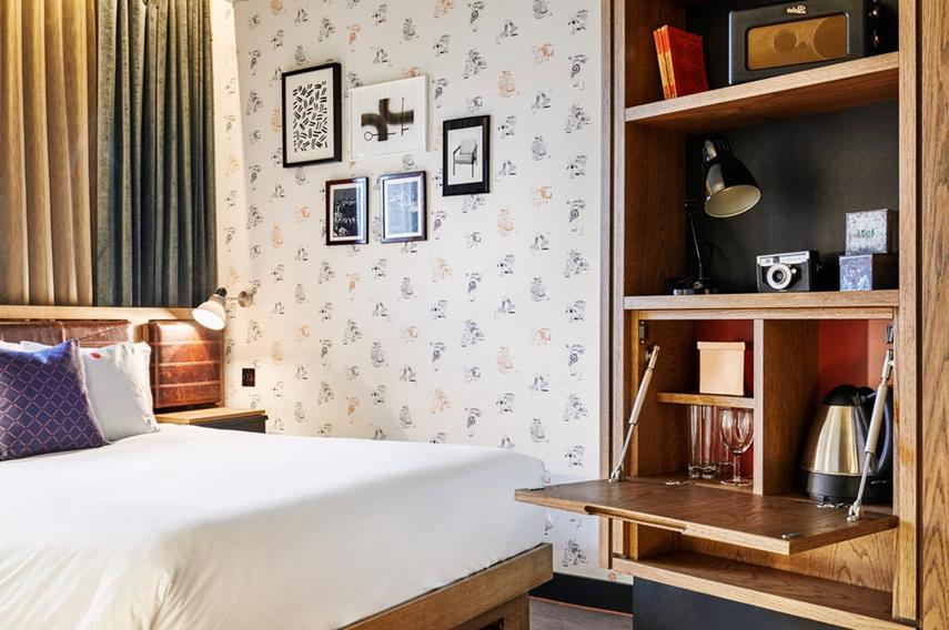 The Hoxton room (2)