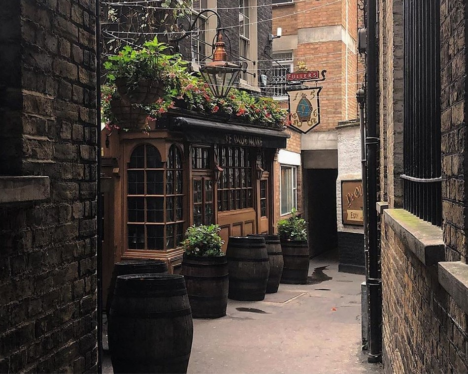 View towards the front of the Ye Olde Mitre Tavern