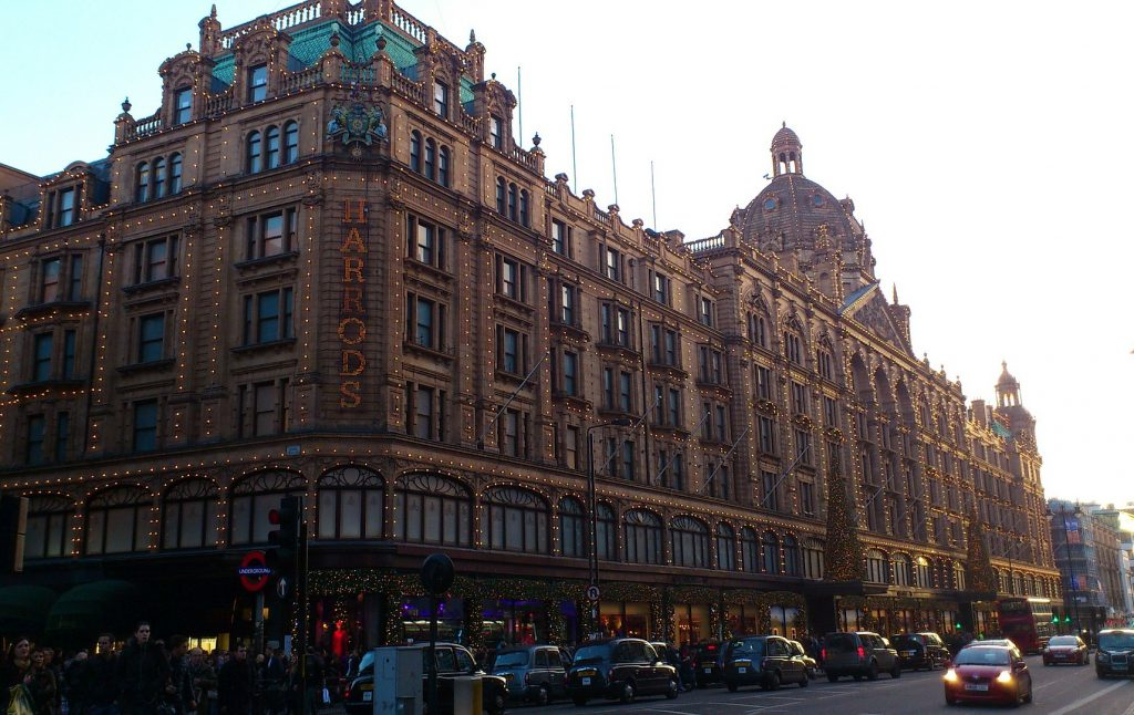 Harrods flagship store in Knightsbridge, image courtesy of Heikie George on Pixabay